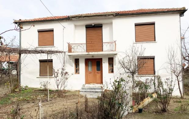 Unique offer: House, commercial space and parcels for sale in Northern Greece